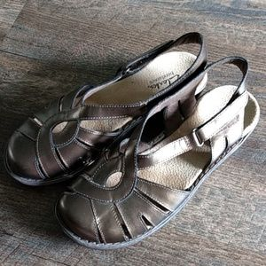 Clarks Bronze Sandals, closed toe, velcro size 7